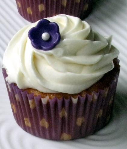 cropped-vv-cupcake.jpg